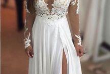 koszorúslány és esküvői ruhák