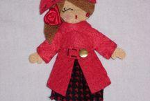 Кукла-брошь