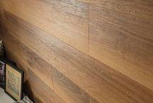 Suelos / Pavimentos con características especiales, ya sea por el material con el que se han fabricado, o por el color, textura, y forma en la que se presentan.