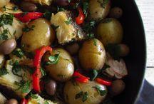 Receitas de Bacalhau | Food From Portugal / No nosso país costumamos dizer que o bacalhau pode ser feito de 1001 maneiras. Veja as melhores receitas aqui.