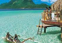 Bora Bora, Tahiti y sus Islas, Polinesia Francesa / Imagenes de la isla perla del pacífico, con su laguna de coral color turquesa.