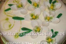 Torta bucaneve con crema diplomatica alla vaniglia e scaglie di cioccolato al latte