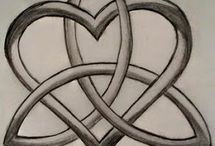 Henna, Tattoos & Rings