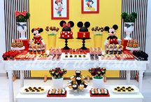 Mickey and Minnie party / by Amanda Campos