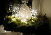 Kerststolp in de vensterbank