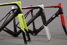 Telai   Frames / I nostri telai Boeris: Titanio, Carbonio, Alluminio, Acciaio. Tutti i cicli da noi realizzati e visualizzabili in questa pagina, rappresentano un cliente con caratteristiche fisiche diverse. Personalizziamo biciclette su misura per voi.