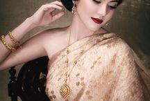 Thai women and Thai Traditional dress . (Makeup Thailand)