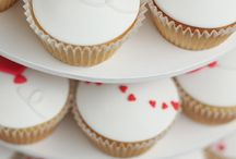 Engagement Cakes / Celebrate the special occasion with the perfect treat!