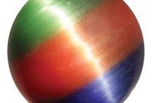 Knikkers / Een verzameling leuke, mooie en unieke knikkers. Op www.knikkerprins.com kan je terecht voor honderden soorten knikkers in diverse formaten en alle kleuren van de regenboog!