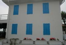Fassadendesigns / Eine ansprechende Fassade ist die Visitenkarte Ihres Hauses. Sie vermittelt einen Eindruck von den Menschen, die ein Haus bewohnen. Regelmäßiger Schutz und Pflege tragen enorm zum Werterhalt des Gebäudes bei.  http://www.borsch-info.de/