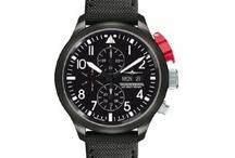 Relojes Thunderbirds / Los primeros diseños de Relojes Thunderbirds fueron creados en 1988 en conmemoración del escuadrón de élite de la U.S. Air Force del mismo nombre. Detalles como el patentado sistema de protección PPS (Push Protection System) y la regla de cálculo E6B son aspectos destacados en sus colecciones. Marca Alemana que apuesta por la variedad de correas, ofreciendo los relojes con correa de nylon, de cuero o de caucho, con un estilo de piloto único.        / by TuTunca.es | Tu Buen Estilo | Eres Especial