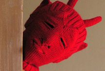 Textil and knitted heads