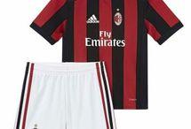Dětské Fotbalové Dresy AC Milan / Dětské fotbalové dresy AC Milan levně. Dětský Dresy AC Milan Domácí Dres/Venkovní Dres/Alternativní Dres/Dlouhý Rukáv s vlastním potiskem.