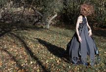 Kostumer / Costumes / Design på Odder Højskole. Alt fra finurlige, farlige kostumer til fashion og velsiddende beklædningsdesign