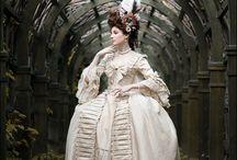 18th century: Costume favorites / 18th century costume favorites.
