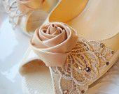 Beige wedding look