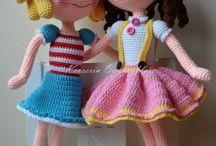 nichos/bonecas crochê