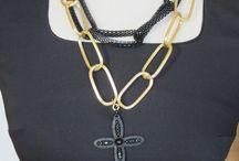 Lina Liri's Handmade Jewerly Collection Short Necklace Grille Chain. / Lina Liri's Handmade Jewerly Collection Short Necklace Grille Chain.