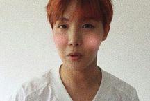 정호석 ᕙ(⇀‸↼‶)ᕗ (Jung Ho Seok)