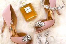 Wedding shoes / WEDDING SHOES INSPIRATION | Inspirações de sapatos para o seu Grande Dia para as noivas clássicas e sofisticadas
