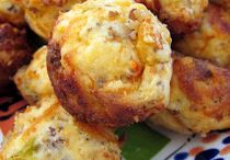 Breakfast foods / Cheese-sausage muffins