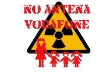 Antena Vodafone al lado de escuela infantil y primaria / Han colocado una antena de móviles al lado del colegio de mis hijas. Esto ha gererado angustia entre los padres por las repercusiones de salud que puede tener en nuestros hijos.  Aun habiendo numerosos lugares habilitados por el ayuntamiento, Vodafone ha decidido ponerla ahi.
