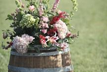 wedding: rustic charm / by BreAnn Rumsch