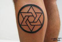 TATUAGENS / Tatuagens criativas que desperta curiosidade nas abilidades dos tatuadores e escolha dos tatuados.