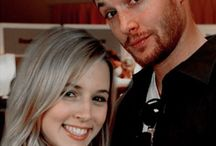 """""""Dean.Winchester et Jo.Harvelle"""" Jensen Ackles & Alona Tal / Je mets à l'honneur la belle relation et amitié et amour entre Dean Winchester et Jo Harvelle,Jo qui était au départ, la future petite-amie de Dean. Aujourd'hui, on ne sait toujours pas si un éventuel retour de l'actrice dans la série est envisageable.j'adorait quand Jo dit à Dean mon deanno.Je trouvé que Jo et Dean formé un beau duo et avait beaucoup de points communs,leurs pères chasseurs,les couteaux,la bière.La mort Jo,Dean à était touché et triste,il on eux leurs baiser.Miss Dean."""