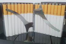 Tabachere / Tabachere diverse modele - pentru tigari standard sau lungi, mai mici sau mai mari, haioase sau elegante. Pentru mai multe detalii: http://www.tuburipentrutigari.ro/categorie-produs/tabachere/