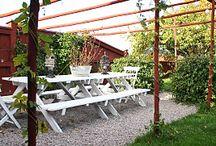Sittplatser i trädgården