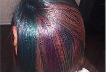 Colors hair