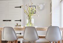 Eetkamer stoelen en tafel
