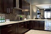 Kitchen Ideas / Dark cabinets