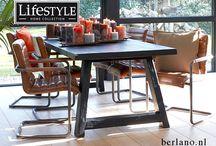 Tafels / Authentieke landelijke houten tafels en moderne tafels van eiken met een betonnen blad, stoere robuuste Kloostertafels en prachtige moderne eettafels van hout, metaal en glas.