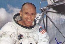 News : Alieni, Astronauta Alan LaVern Bean che ha camminato sulla Luna rompe il silenzio.