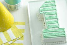 What a perfect cakes for baby's 1st birthday / smash cakes, too!
