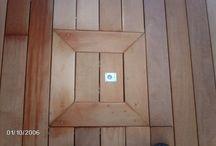 Instalación de tarima de madera exterior en la terraza de una vivienda de Premià de Mar