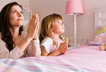 Childrens Prayers / simple prayers for kids to pray in the morning, evening, mealtime or anytime.t builds up a happy child and teaches them value of life and makes them believe in good things and be hopeful.