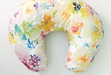 Gift Ideas for New Moms / gift ideas for expectant mothers great for baby showers or just showering new mommy with love