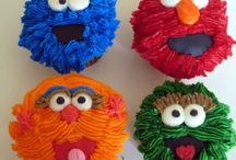 Yummy Cup Cakes That Are Awesome,Beautiful and Fun  / by Ashlee Roswell