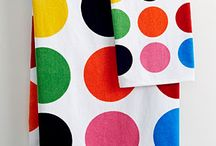 You love colors? / You now have the option of matching your bathroom products with the same theme and design, choosing amongst 17 collections. Choose your design and match you soap holder with your shower curtain, your bathmat, or even with your toilet seat!  More than 20 products are available per collection allowing you to find everything you need to create a harmonious decoration and the bathroom of your dreams with just one click.      www.evideco.com