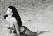 Bunny Yeager n' Bettie Page