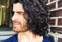 miesten pidemmät hiukset
