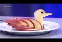 Cisne con una manzana / Esta es una manera de hacer que ha aquellos niños que no les gusta la fruta hacer que les guste. Si os gusta probarlo y por favor darle a que os gusta. Si queréis saber como se hace buscarlo es you tuve es del hormiguero.