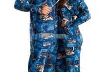 cool stuff to wear / by Dezi Martinez