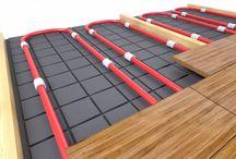 ogrzewanie podłogowe / Ogrzewanie podłogowe jest przede wszystkim estetyczne. Cala konstrukcja grzewcza schowana jest w podłodze, co eliminuje nieestetyczne grzejniki. Dzięki temu zyskujemy możliwość swobodniejszej aranżacji wnętrza – grzejniki nie determinują miejsca, w którym możemy lub nie, ustawić dany mebel. Zobacz, jak wygląda ogrzewanie podłogowe.