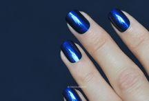 Yves Saint Laurent / Nail polish swatch