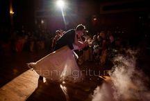 DANCING ON CLOUDS / A wonderful first dance choreography, in a dreamy atmosphere !  Entire gallery here:  http://danielgritu.ro/fotografie-de-nunta/fotografie-de-nunta-cristina-si-andrei-nunta-breaza/