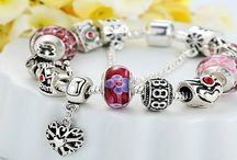 #4 The Queen Bracelet - £13.50 / Beautiful European Charm Bracelets. These new bracelets are available to buy from AMAZON - Now LESS 62% - ONLY £13.50 each >>> http://amzn.to/1YhFppr